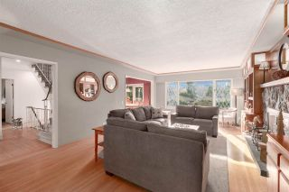 """Photo 3: 41833 GOVERNMENT Road in Squamish: Brackendale House for sale in """"BRACKENDALE"""" : MLS®# R2545412"""