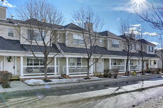 Photo 3: 45 Country Village Gate NE in Calgary: Country Hills Village Row/Townhouse for sale : MLS®# A1077727