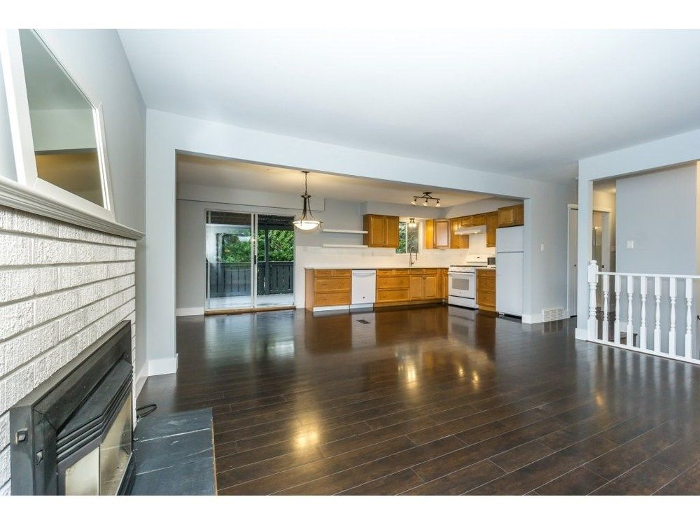 Main Photo: 20250 48 AVENUE in Langley: Langley City Home for sale ()  : MLS®# R2305434