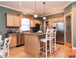 """Photo 2: 3384 BLOSSOM Court in Abbotsford: Abbotsford East House for sale in """"THE HIGHLANDS"""" : MLS®# F2828575"""