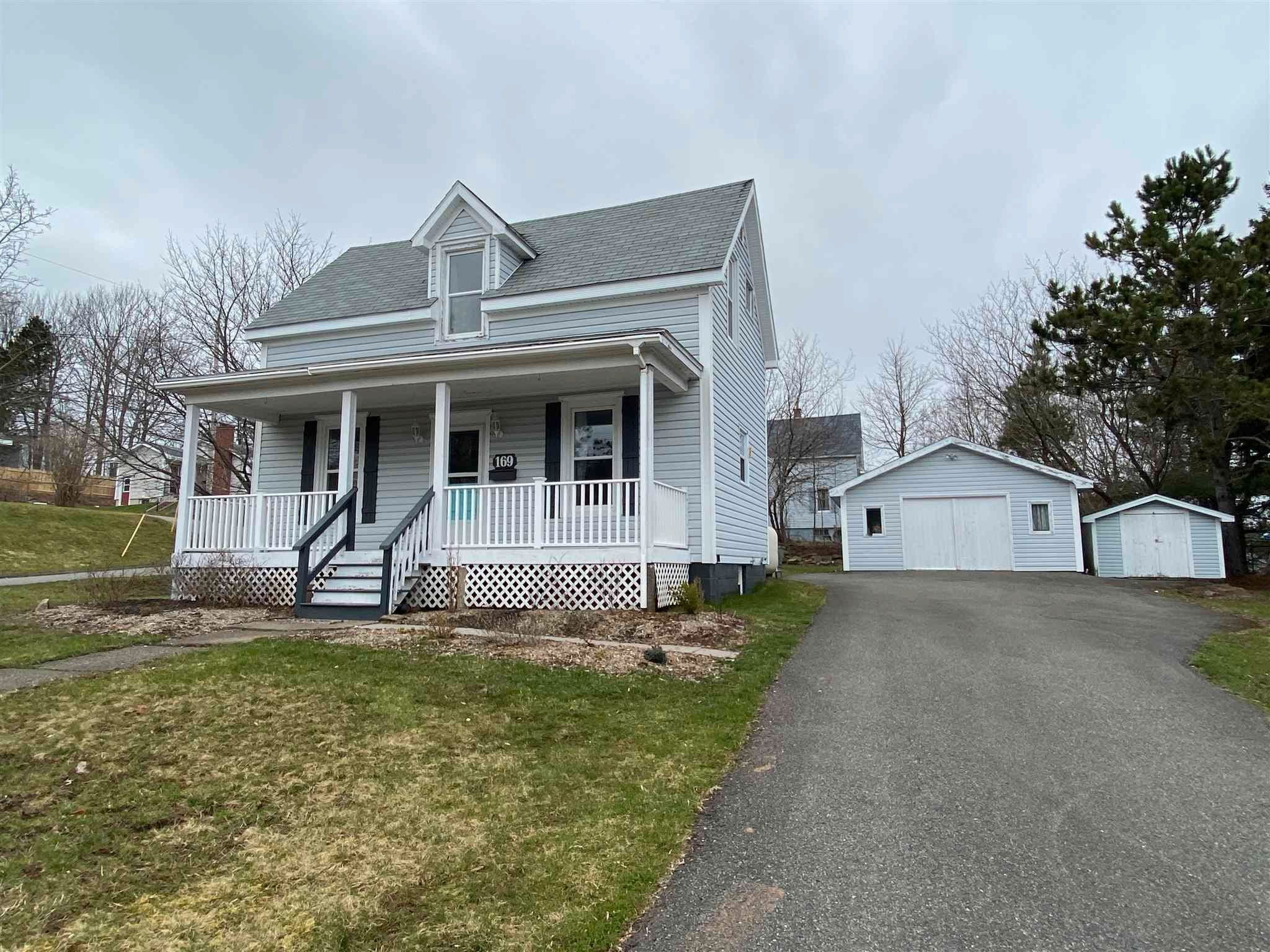 Main Photo: 169 Willow Avenue in New Glasgow: 106-New Glasgow, Stellarton Residential for sale (Northern Region)  : MLS®# 202107598