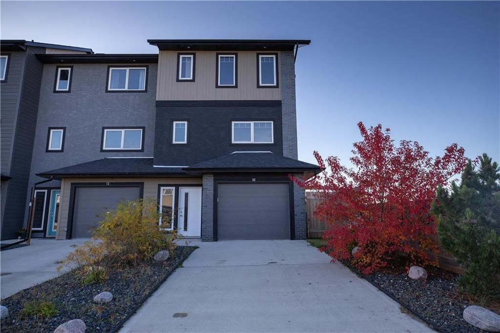 Main Photo: 10 Tweed Lane in Niverville: The Highlands Residential for sale (R07)  : MLS®# 1927670