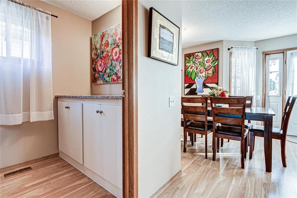 Photo 10: Photos: 62 RIVERCREST Circle SE in Calgary: Riverbend Detached for sale : MLS®# C4273736