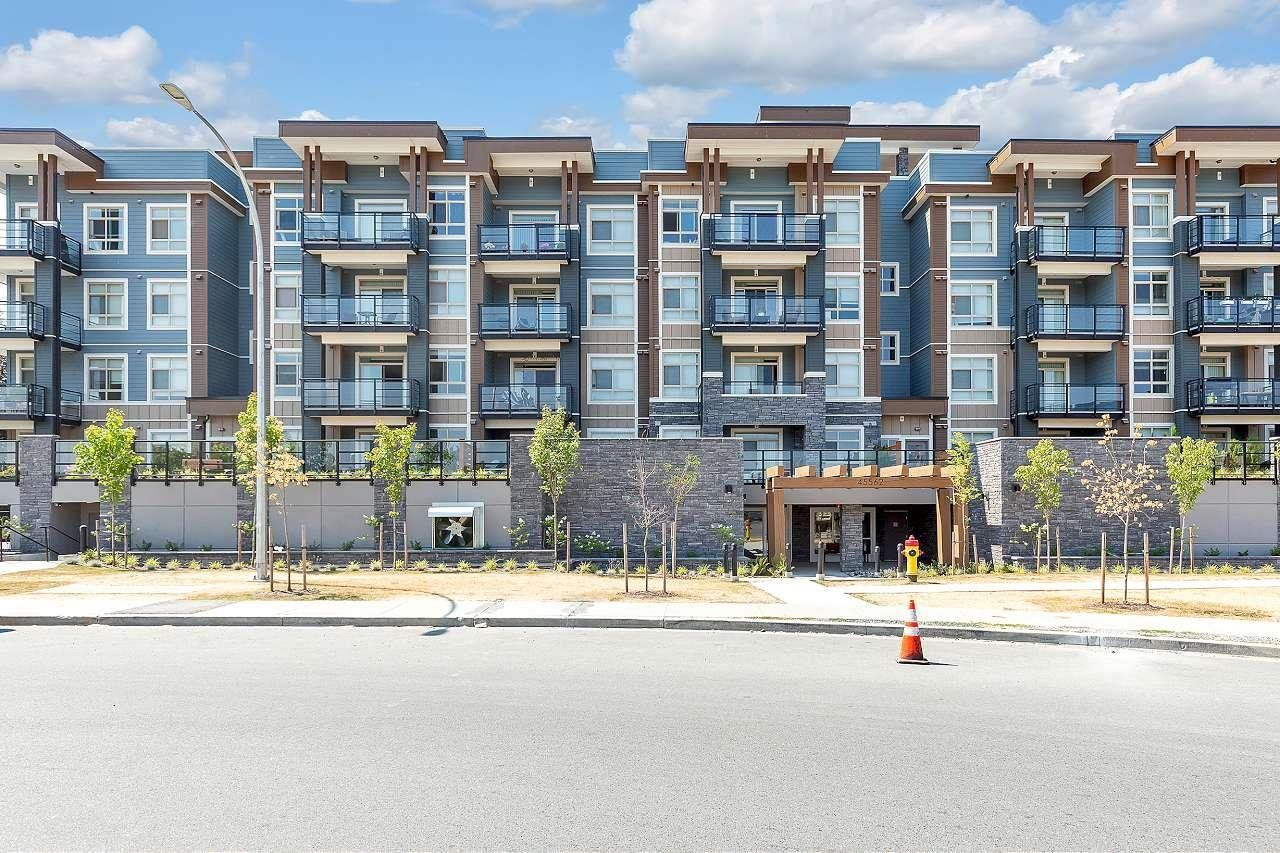 """Main Photo: 208 45562 AIRPORT Road in Chilliwack: Chilliwack E Young-Yale Condo for sale in """"THE ELLIOT"""" : MLS®# R2602520"""