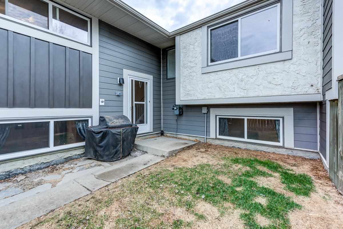 Main Photo: 414 WILLOW Court in Edmonton: Zone 20 Townhouse for sale : MLS®# E4243142