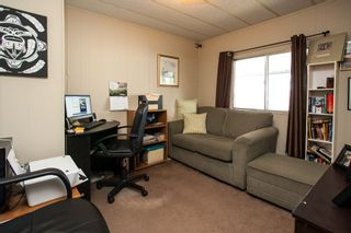"""Photo 8: 260 1840 160TH Street in Surrey: King George Corridor Manufactured Home for sale in """"Breakaway Bays"""" (South Surrey White Rock)  : MLS®# R2176402"""