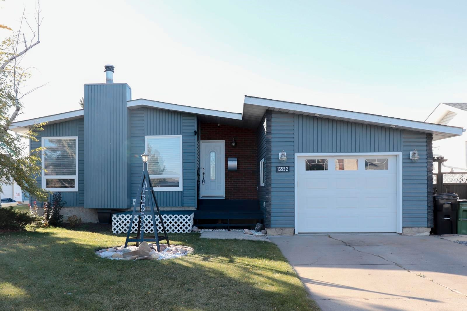 Main Photo: 13552 25 Street in Edmonton: Zone 35 House for sale : MLS®# E4266497