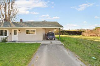 Photo 4: 3386/3390 Veteran St in VICTORIA: SE Mt Tolmie Full Duplex for sale (Saanich East)  : MLS®# 834043