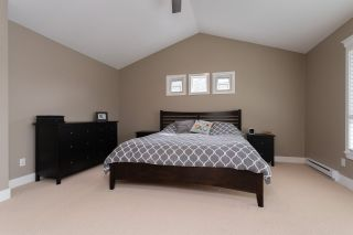 Photo 28: 16484 60A Avenue in Surrey: Cloverdale BC House for sale (Cloverdale)  : MLS®# R2456556