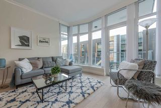 """Photo 6: 410 175 VICTORY SHIP Way in North Vancouver: Lower Lonsdale Condo for sale in """"CASCADE AT THE PIER"""" : MLS®# R2552269"""