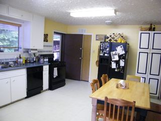 Photo 11: 5115 East Barriere FSR in East Barriere Lake: House for sale