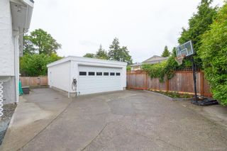 Photo 33: 2706 Dorset Rd in Oak Bay: OB Uplands House for sale : MLS®# 841020