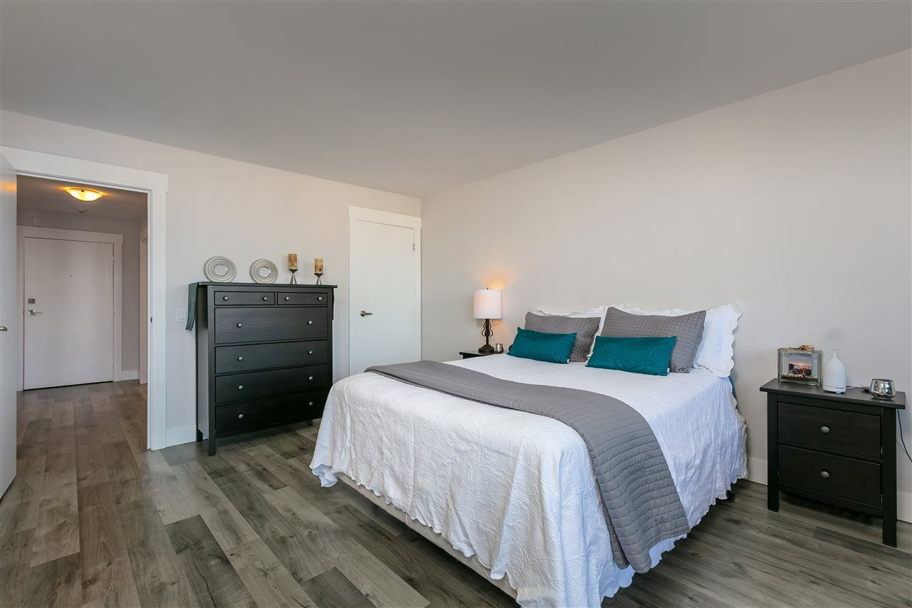 """Photo 13: Photos: 1804 3980 CARRIGAN Court in Burnaby: Government Road Condo for sale in """"Discovery Place"""" (Burnaby North)  : MLS®# R2465942"""