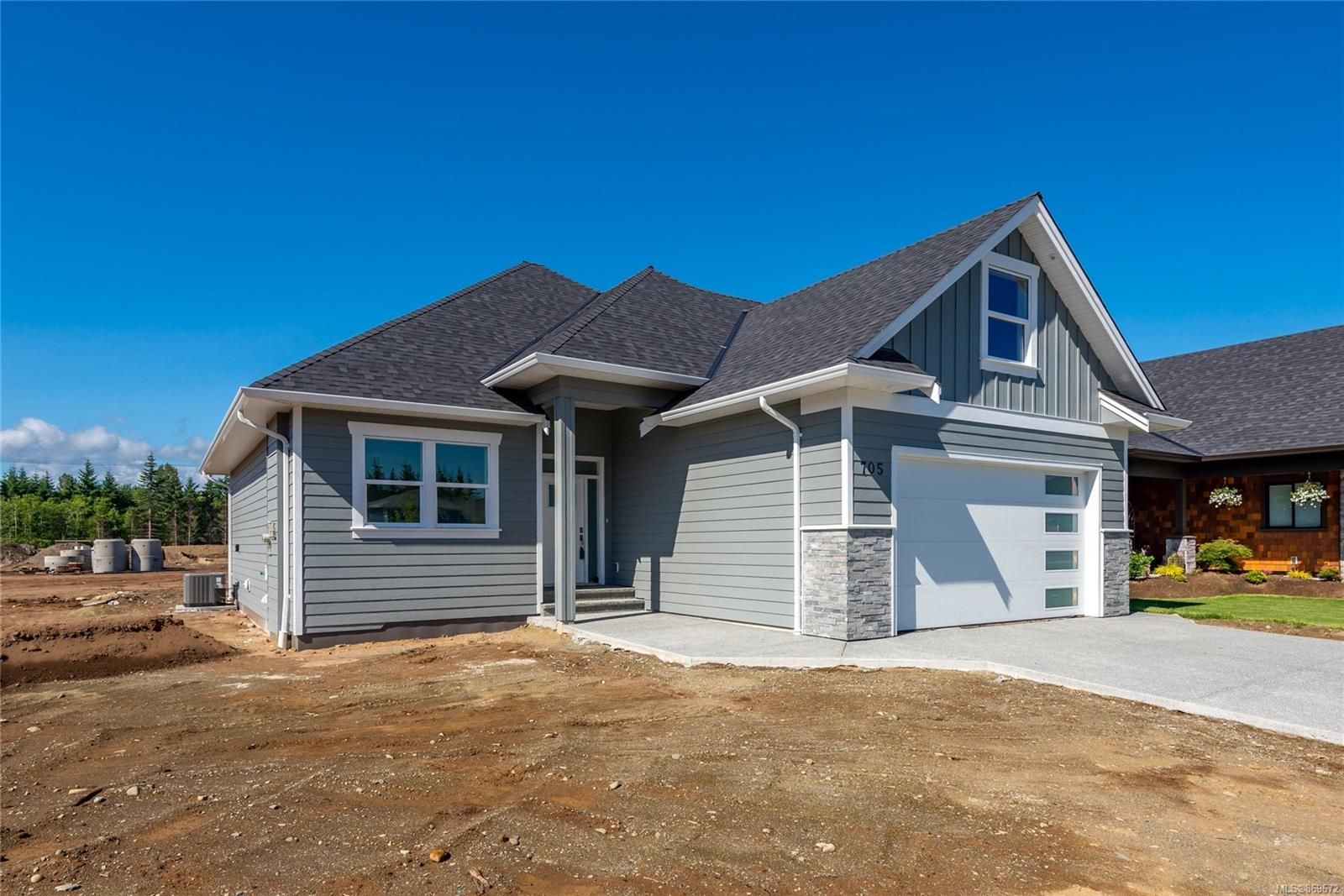 Main Photo: 705 Sitka St in : CR Willow Point House for sale (Campbell River)  : MLS®# 869672