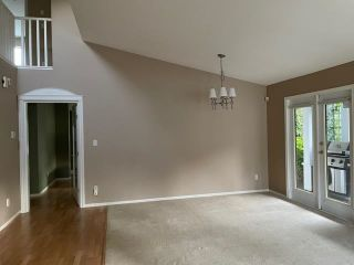 """Photo 3: 76 6488 168 Street in Surrey: Cloverdale BC Townhouse for sale in """"Turnberry"""" (Cloverdale)  : MLS®# R2610763"""