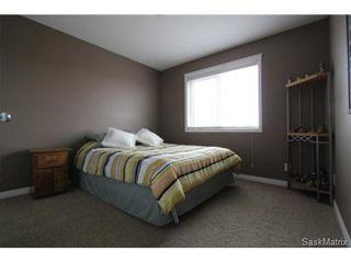 Photo 12: 355 Thode AVENUE in Saskatoon: Willowgrove Single Family Dwelling for sale (Saskatoon Area 01)  : MLS®# 460690