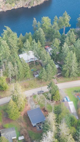 Photo 2: 4857 Pirates Rd in : GI Pender Island House for sale (Gulf Islands)  : MLS®# 864308