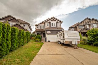 Photo 1: 32514 ABERCROMBIE Place in Mission: Mission BC House for sale : MLS®# R2388870