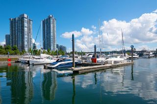 "Photo 34: 2005 193 AQUARIUS Mews in Vancouver: Yaletown Condo for sale in ""Marinaside Resort"" (Vancouver West)  : MLS®# R2604474"