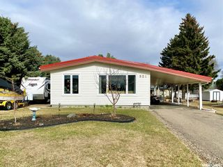 Photo 1: 521 Douglas Street South in Outlook: Residential for sale : MLS®# SK840471