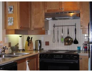 """Photo 5: 29 2375 W BROADWAY BB in Vancouver: Kitsilano Townhouse for sale in """"TALIESEN"""" (Vancouver West)  : MLS®# V725851"""