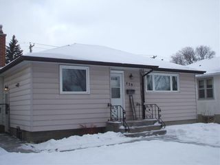 Photo 2: 439 Yale Avenue West in Winnipeg: West Transcona Residential for sale (3L)  : MLS®# 202101290