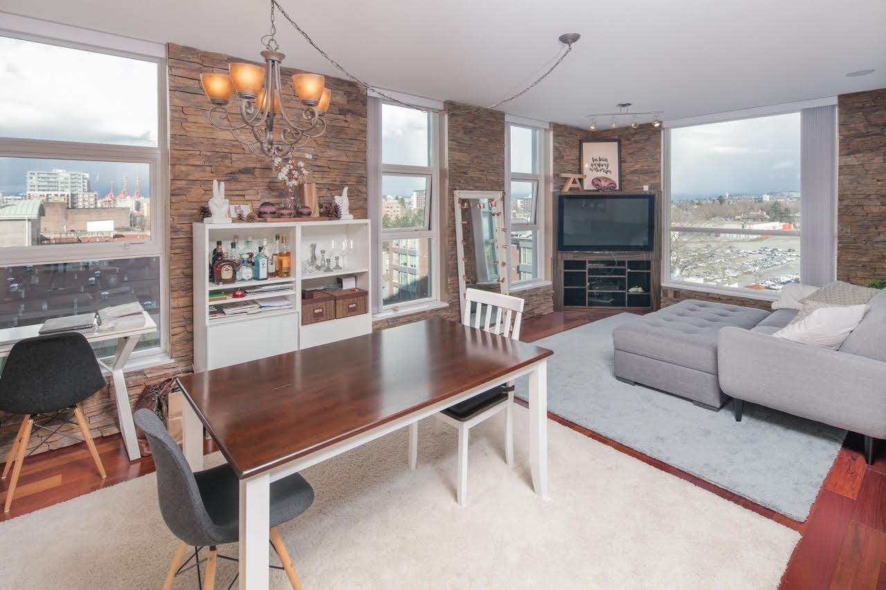 """Main Photo: 902 189 NATIONAL Avenue in Vancouver: Mount Pleasant VE Condo for sale in """"SUSSEX BY Bosa"""" (Vancouver East)  : MLS®# R2141629"""