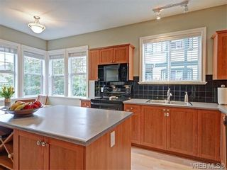 Photo 6: 3 1250 Johnson St in VICTORIA: Vi Downtown Row/Townhouse for sale (Victoria)  : MLS®# 744858