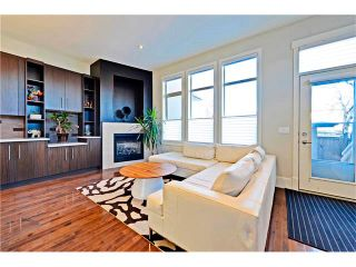 Photo 17: 2626 1 Avenue NW in Calgary: West Hillhurst House for sale : MLS®# C4039407