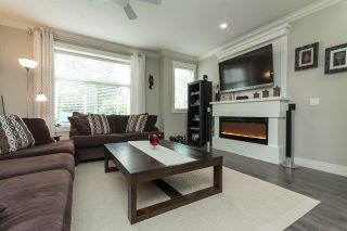 """Photo 3: 11 33860 MARSHALL Road in Abbotsford: Central Abbotsford Townhouse for sale in """"MARSHALL MEWS"""" : MLS®# R2075997"""