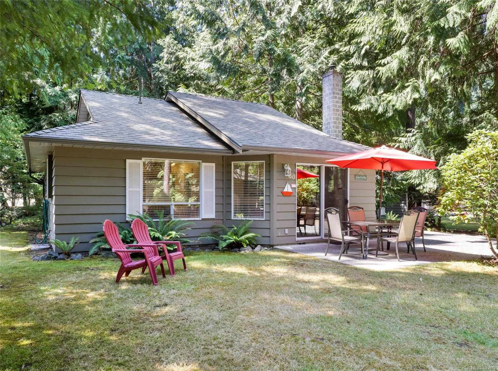 Main Photo: 60 1051 Resort Dr in : PQ Parksville Row/Townhouse for sale (Parksville/Qualicum)  : MLS®# 881862
