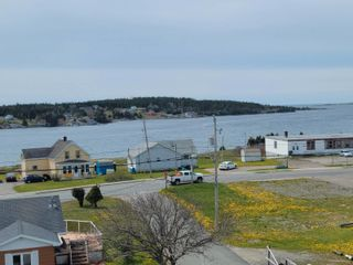Photo 6: 10 Beatrice Street in Louisbourg: 206-Louisbourg Residential for sale (Cape Breton)  : MLS®# 202113603