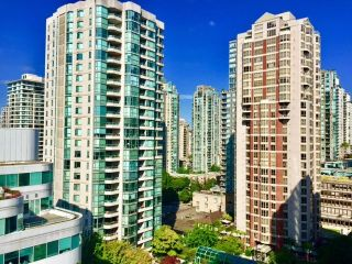 "Photo 15: 1306 821 CAMBIE Street in Vancouver: Downtown VW Condo for sale in ""RAFFLES ON ROBSON"" (Vancouver West)  : MLS®# R2186091"
