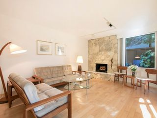 """Photo 5: 104 1930 W 3RD Avenue in Vancouver: Kitsilano Condo for sale in """"THE WESTVIEW"""" (Vancouver West)  : MLS®# R2099750"""