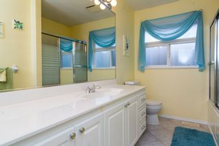 "Photo 11: 16901 FRIESIAN Drive in Surrey: Cloverdale BC House for sale in ""RICHARDSON RIDGE"" (Cloverdale)  : MLS®# R2025574"
