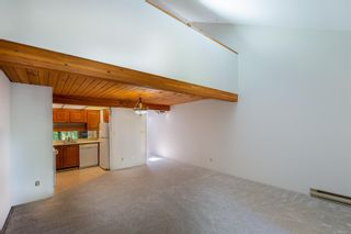 Photo 6: 201 2341 Harbour Rd in : Si Sidney North-East Row/Townhouse for sale (Sidney)  : MLS®# 882410