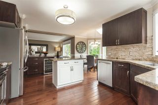 Photo 3: 9076 160A Street in Surrey: Fleetwood Tynehead House for sale : MLS®# R2408522