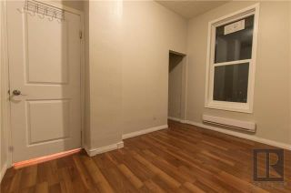 Photo 7: 122 Aikins Streets in Winnipeg: Duplex for sale (4A)  : MLS®# 1910102