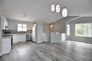 Photo 3: 125 Martin Crossing Way NE in Calgary: Martindale Detached for sale : MLS®# A1117309