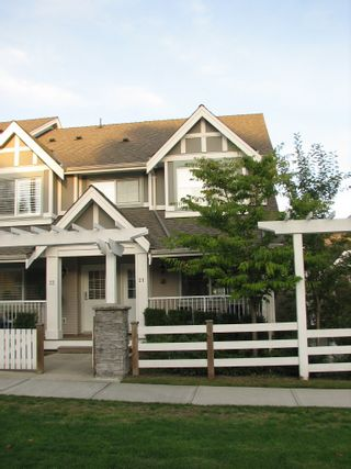 Photo 1: 21 6555 192A Street in Surrey: Clayton Townhouse for sale (Cloverdale)  : MLS®# F1025431