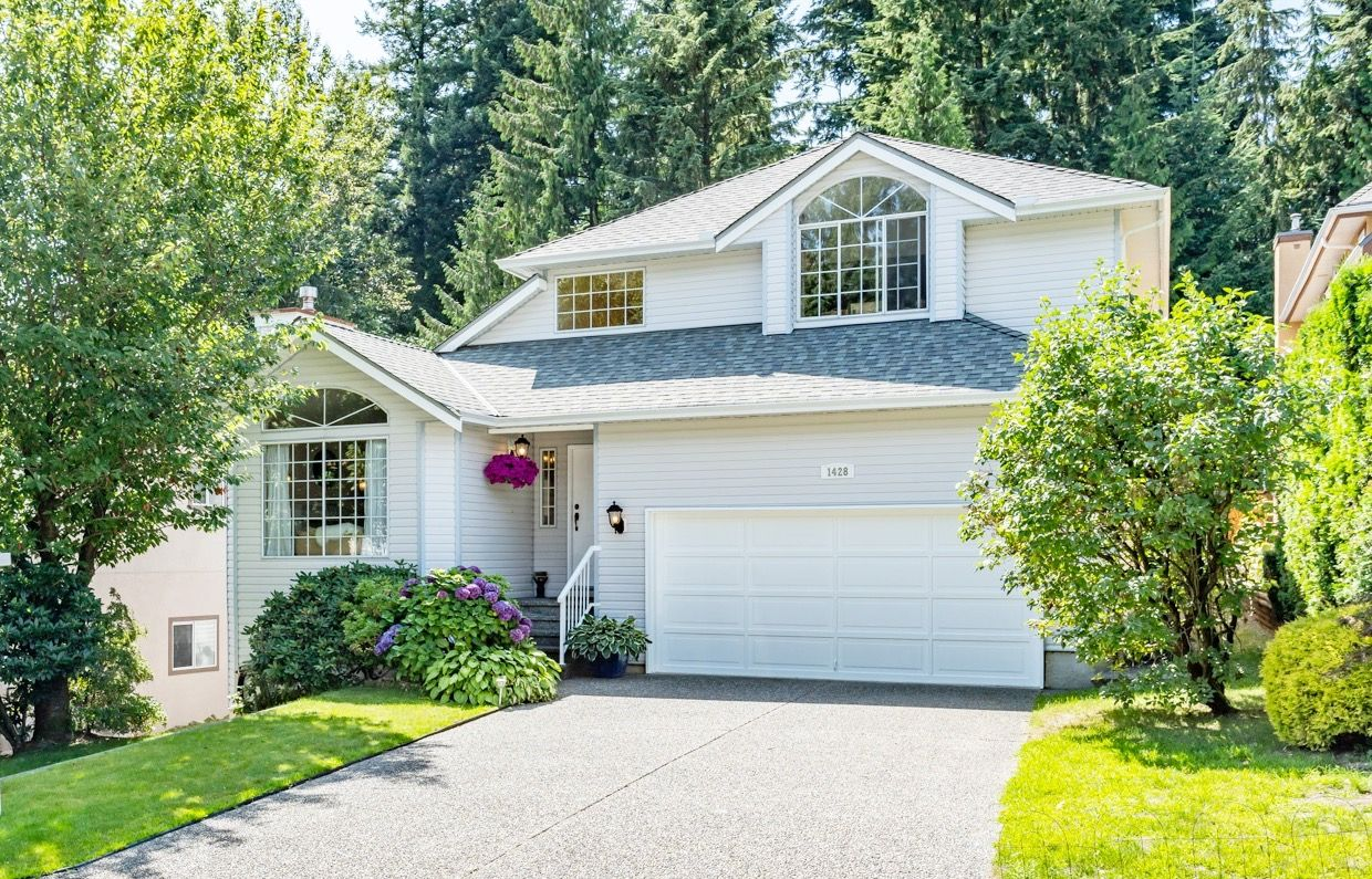 "Main Photo: 1428 PURCELL Drive in Coquitlam: Westwood Plateau House for sale in ""WESTWOOD PLATEAU"" : MLS®# R2393111"