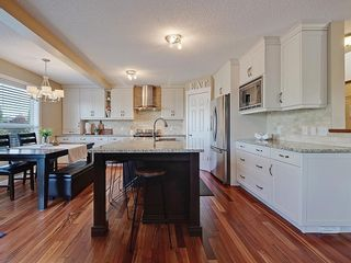 Photo 3: 54 BRIDLEPOST Green SW in Calgary: Bridlewood Detached for sale : MLS®# C4258811