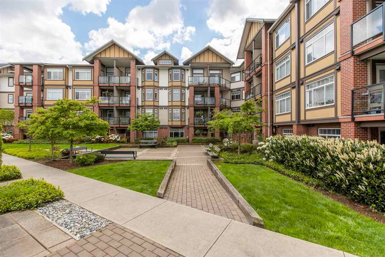 """Main Photo: 246 5660 201A Street in Langley: Langley City Condo for sale in """"PADDINGTON STATION"""" : MLS®# R2578967"""