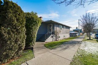 Photo 19: 2504 E 1ST Avenue in Vancouver: Renfrew VE House for sale (Vancouver East)  : MLS®# R2361834
