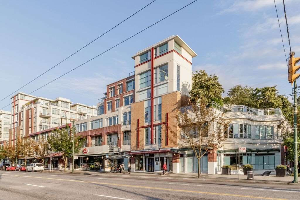 Main Photo: 331 2288 W BROADWAY AVENUE in Vancouver: Kitsilano Condo for sale (Vancouver West)  : MLS®# R2421744