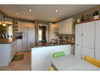Photo 3: 2249 Lillooet Crescent in Kelowna: Other for sale : MLS®# 10043907