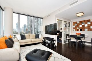 "Photo 3: 1005 638 BEACH Crescent in Vancouver: Yaletown Condo for sale in ""ICON"" (Vancouver West)  : MLS®# R2357913"