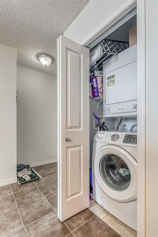Photo 11: 2205 1053 10 Street SW in Calgary: Beltline Apartment for sale : MLS®# A1121668
