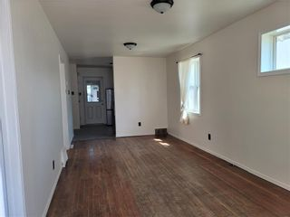 Photo 3: 971 College Avenue in Winnipeg: North End Residential for sale (4B)  : MLS®# 202110001