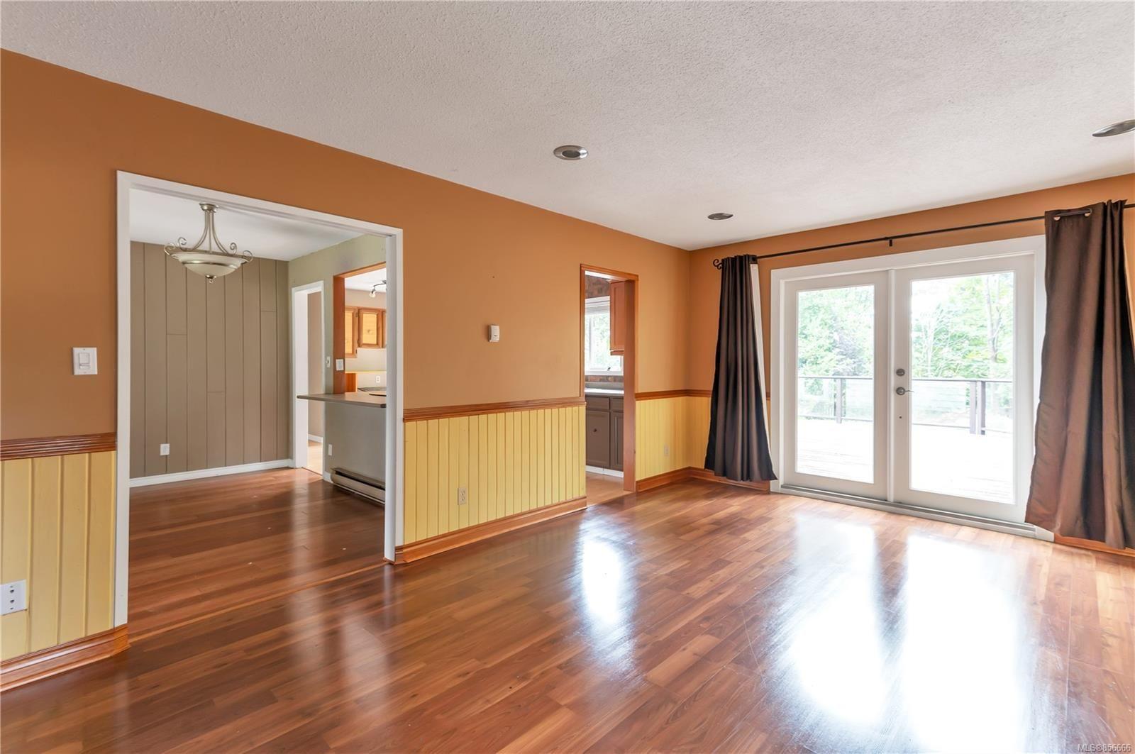 Photo 15: Photos: 2468 Oakes Rd in : CV Merville Black Creek House for sale (Comox Valley)  : MLS®# 856666